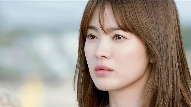 """Hình ảnh Song Hye Kyo trong """"Hậu Duệ mặt trời""""."""